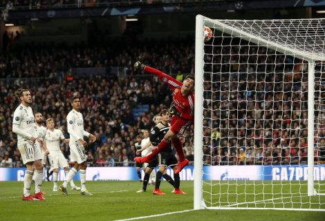 Real Madrid vergado pelo Ajax