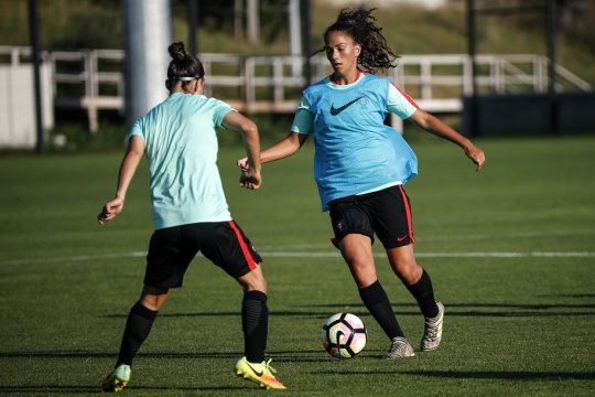 Sofia Silva no 'onze' ideal do Europeu de sub-17 de futebol feminino