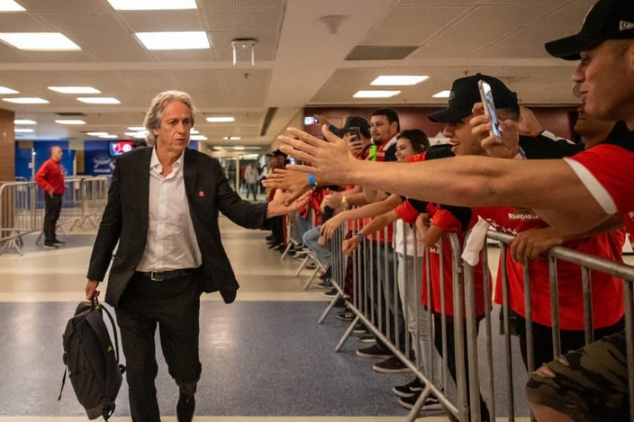 Jorge Jesus soma e segue no Flamengo
