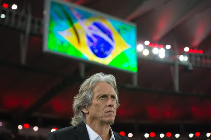 Jorge Jesus questiona eficácia do VAR